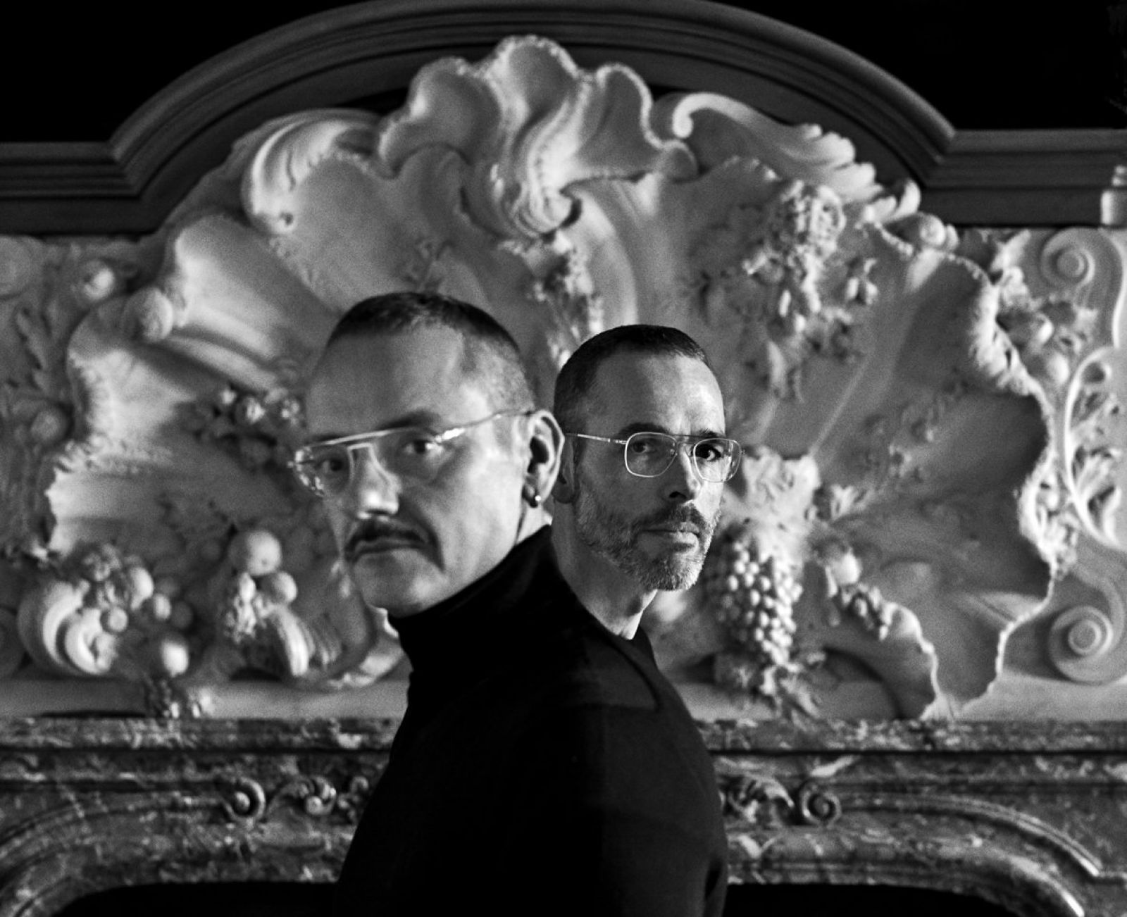 30 viktor and rolf amsterdam 2018 copyright anton corbijn 00 lowres.jpg 1181x961 q85 crop subsampling 2 upscale